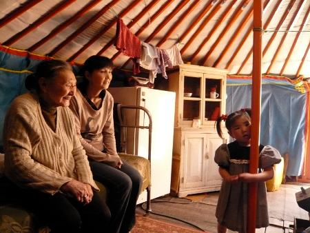gereltmur_single_mom_with_grandmother_in_yurt_supplied_by_grp_sm